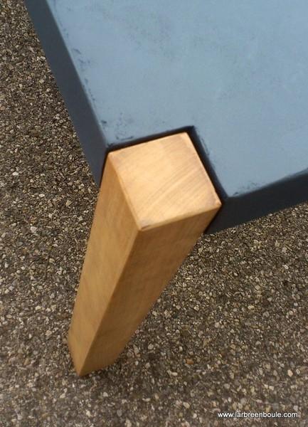 création et fabrication de tables pour la maison et le jardin