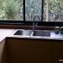 évier inox encastré sur plan de travail bambou