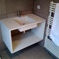 plan vasque avec lavabo intégré, mortier fin lissé.