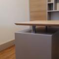 détail caisson de bureau et plateau chêne